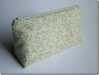 Triangular_Prism_Cosmetic_Bag