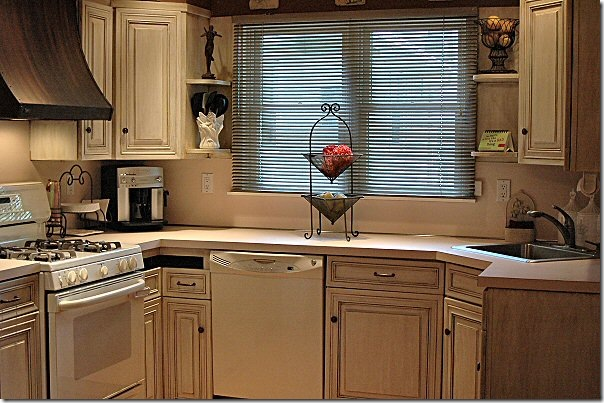 Kitchen Transformation Before And After: Diva's Rust-Oleum Cabinet Transformation
