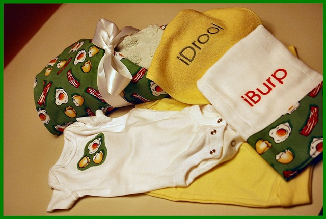 Baby Boy Gifts To Sew : Sew gifts for a new baby boy bibs burp cloths blankets